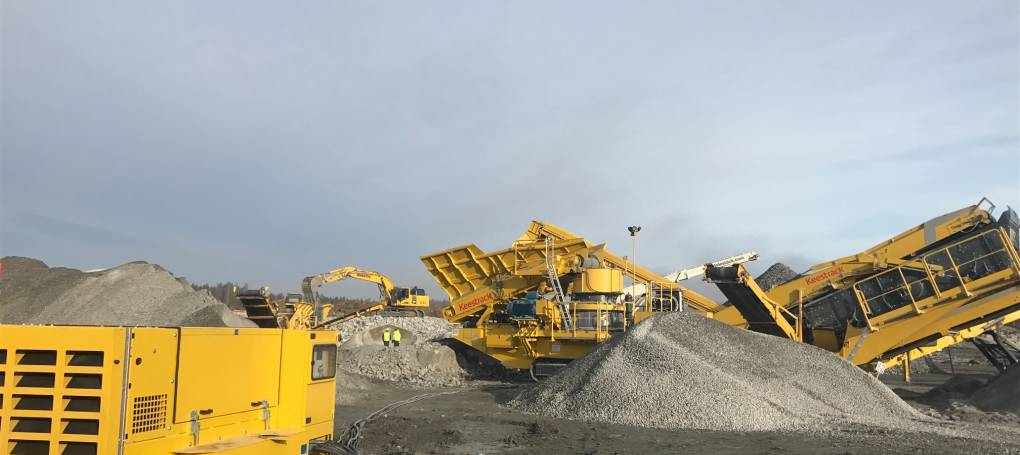 Keestrack H6 cone crusher with drop off engine